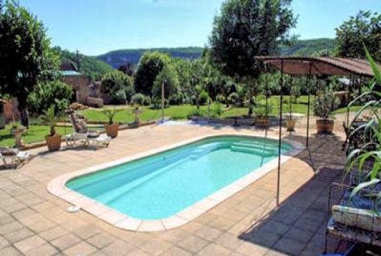Location de vacances avec piscine en dordogne limousin en for Camping limousin avec piscine