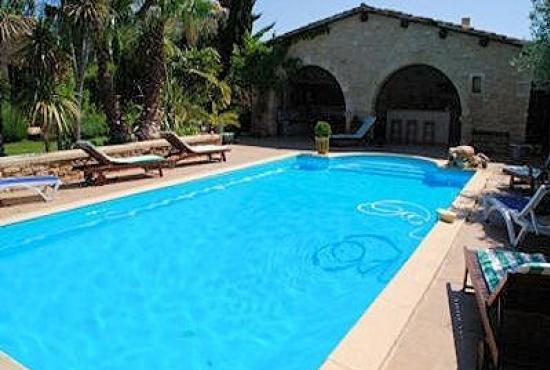 Villa avec piscine en languedoc roussillon en castillon du for Camping en languedoc roussillon avec piscine