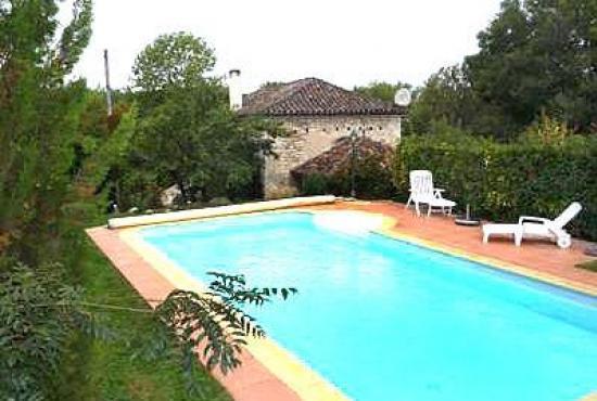 Location de vacances avec piscine en dordogne limousin en for Piscine en dordogne