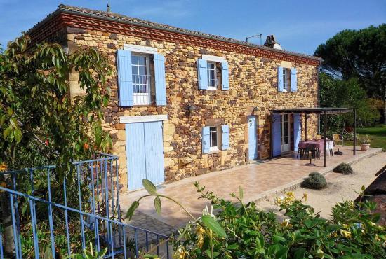 Location De Vacances En Mazeyrolles, Dordogne Limousin