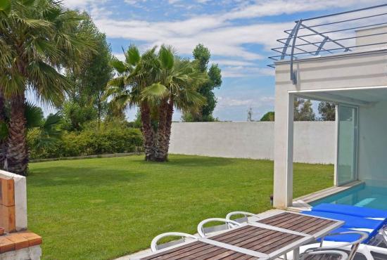 Villa avec piscine en languedoc roussillon en la grande for Camping la grande motte avec piscine