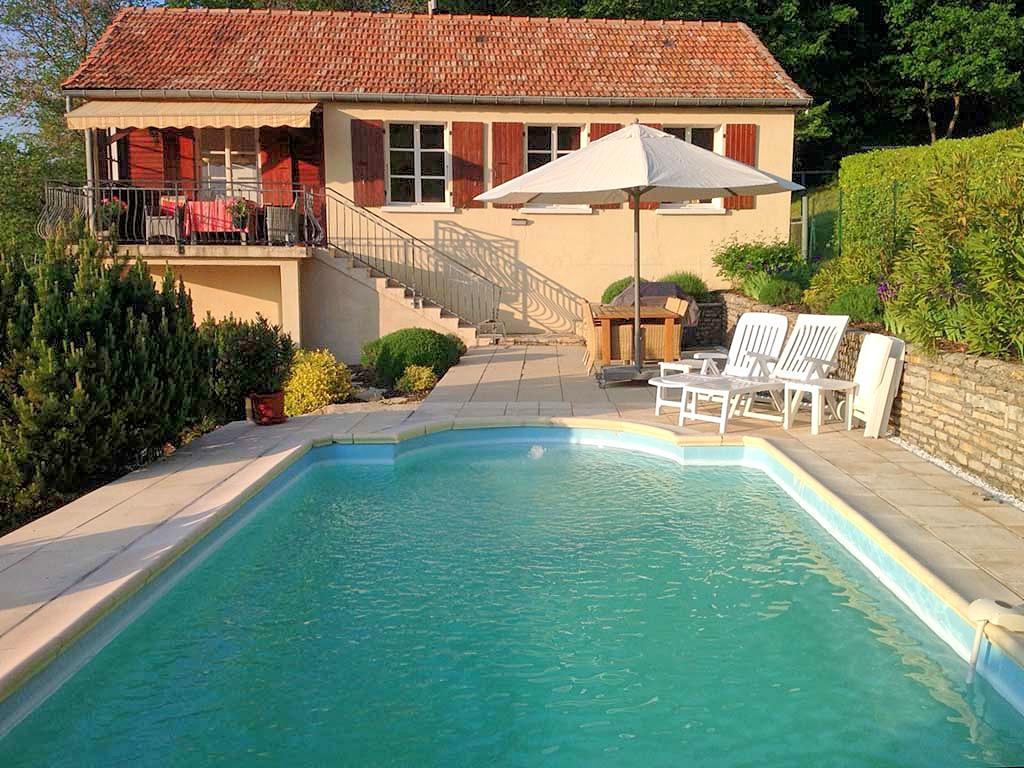 Vakantiehuis in Darbres met zwembad, in Provence-Cote d'Azur.