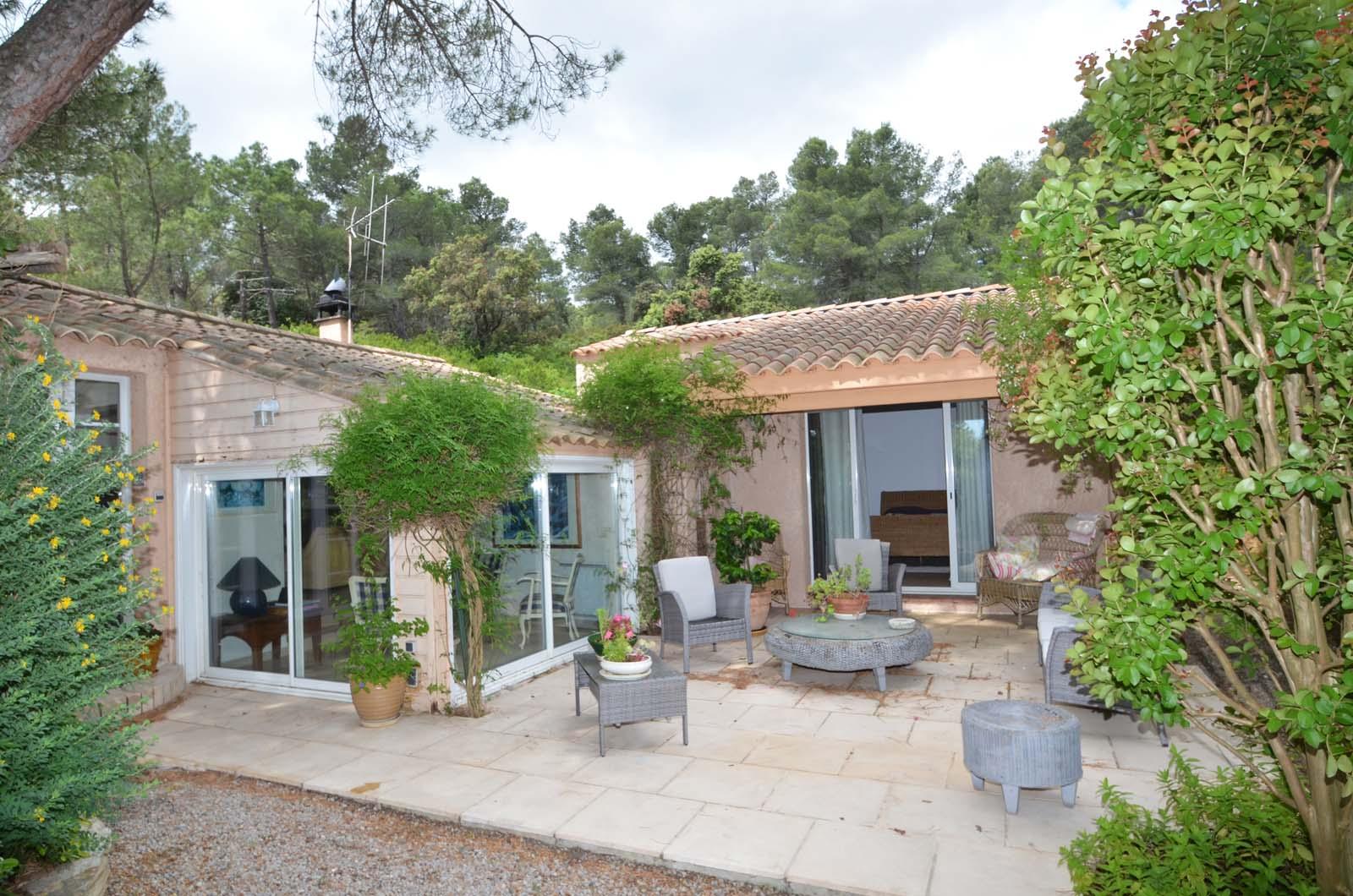 Vakantiehuis in Boutenac met zwembad, in Languedoc-Roussillon.
