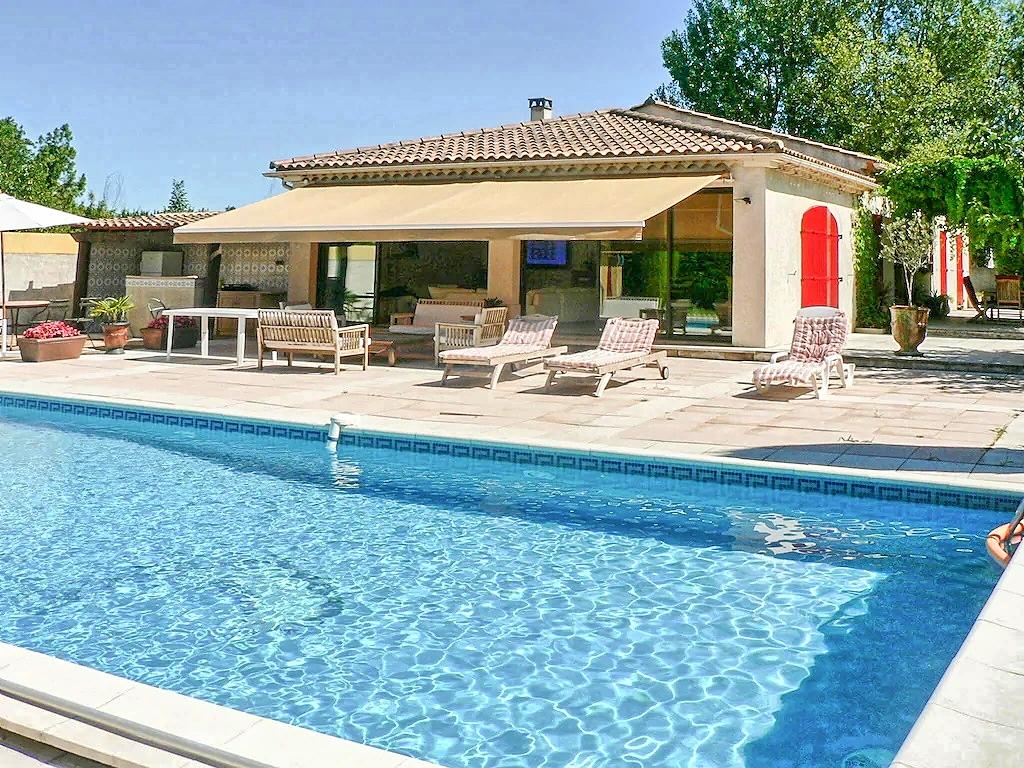 Vakantiehuis in Verquieres met zwembad, in Provence-Cote d'Azur.