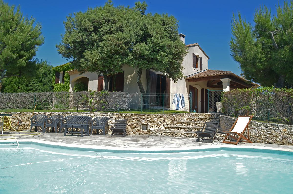 Vakantiehuis in Chateaurenard met zwembad, in Provence-Cote d'Azur.