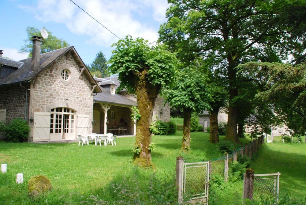 Vakantiehuis met zwembad in Dordogne-Limousin in Chaumeil (Frank