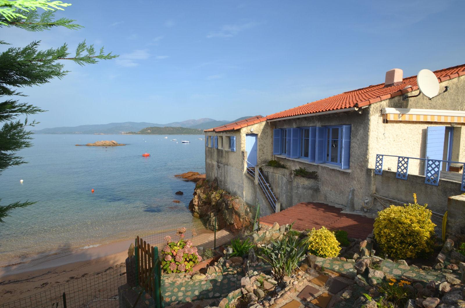 Vakantiehuis in Calcatoggio aan zee, in Corsica.