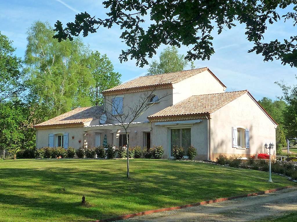 Vakantiehuis in Payzac met zwembad, in Dordogne-Limousin.