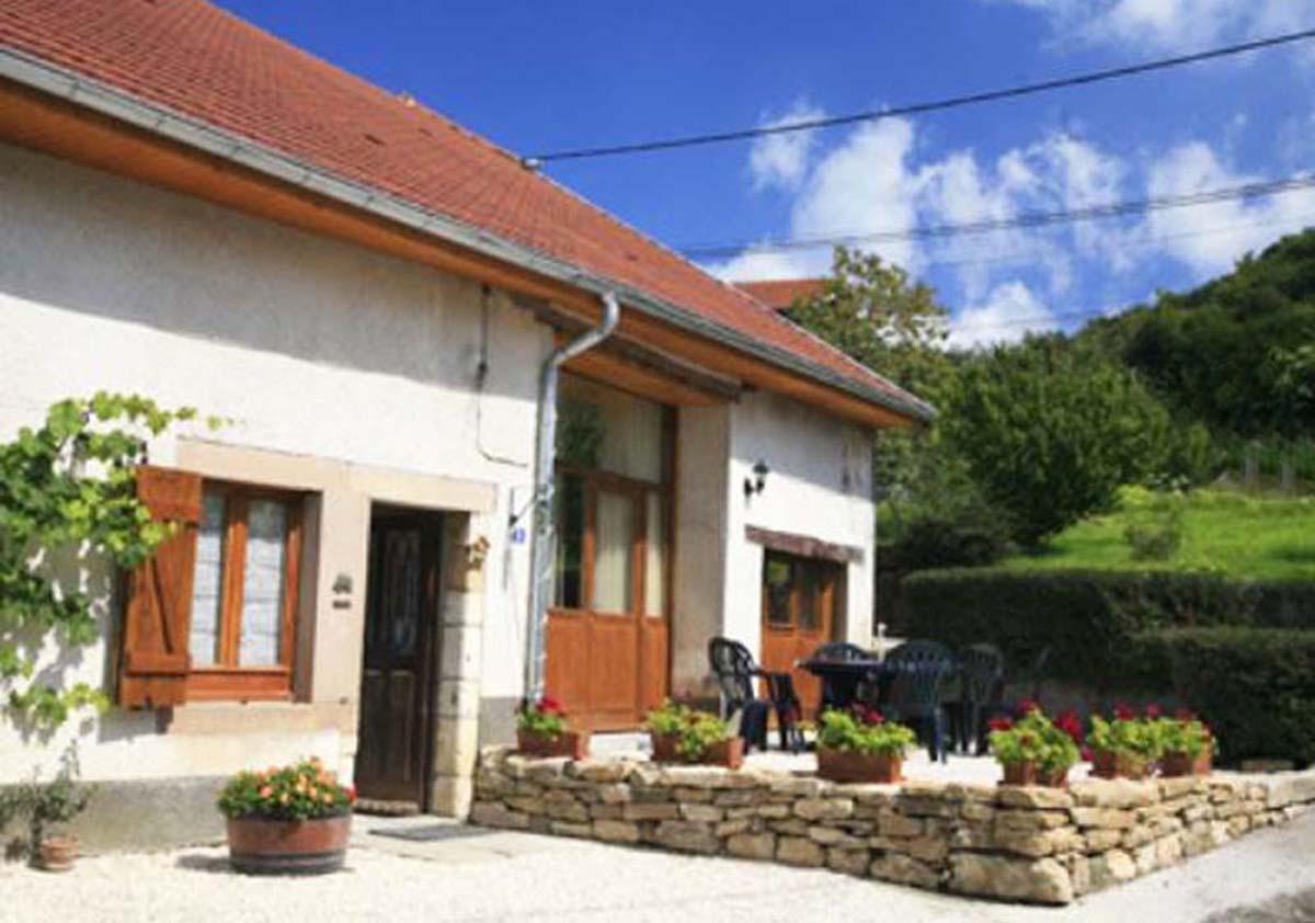 Vakantiehuis in Mondon met zwembad, in Franche-Comte.