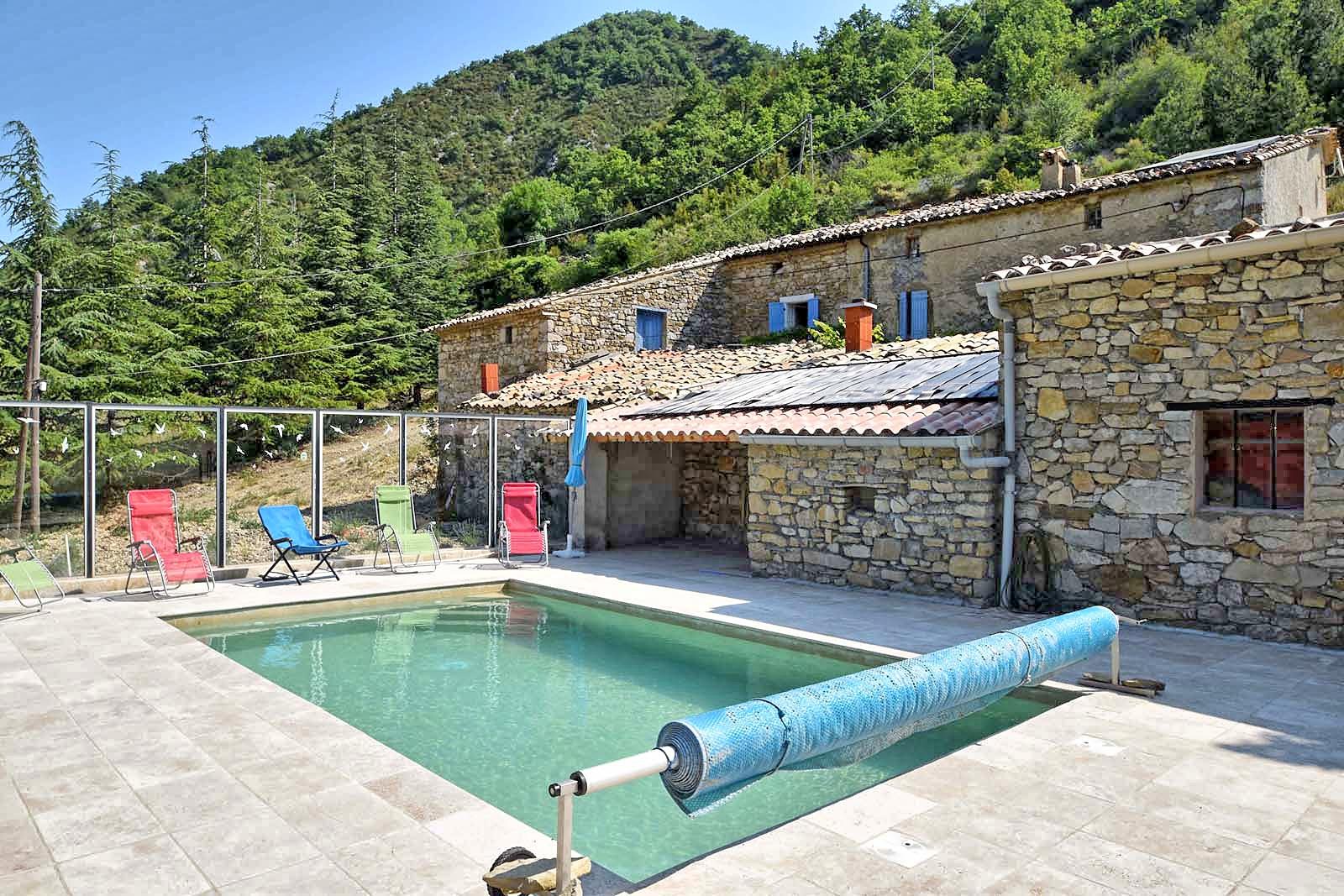Vakantiehuis in Chaudebonne met zwembad, in Provence-Cote d'Azur.