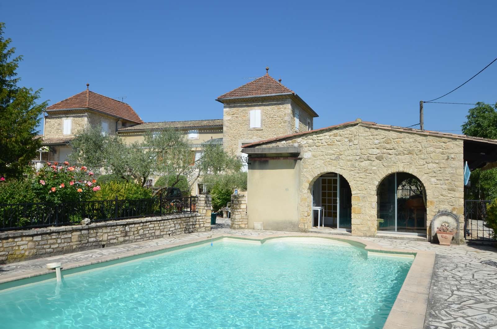 Vakantiehuis in Cornillon met zwembad, in Languedoc-Roussillon.