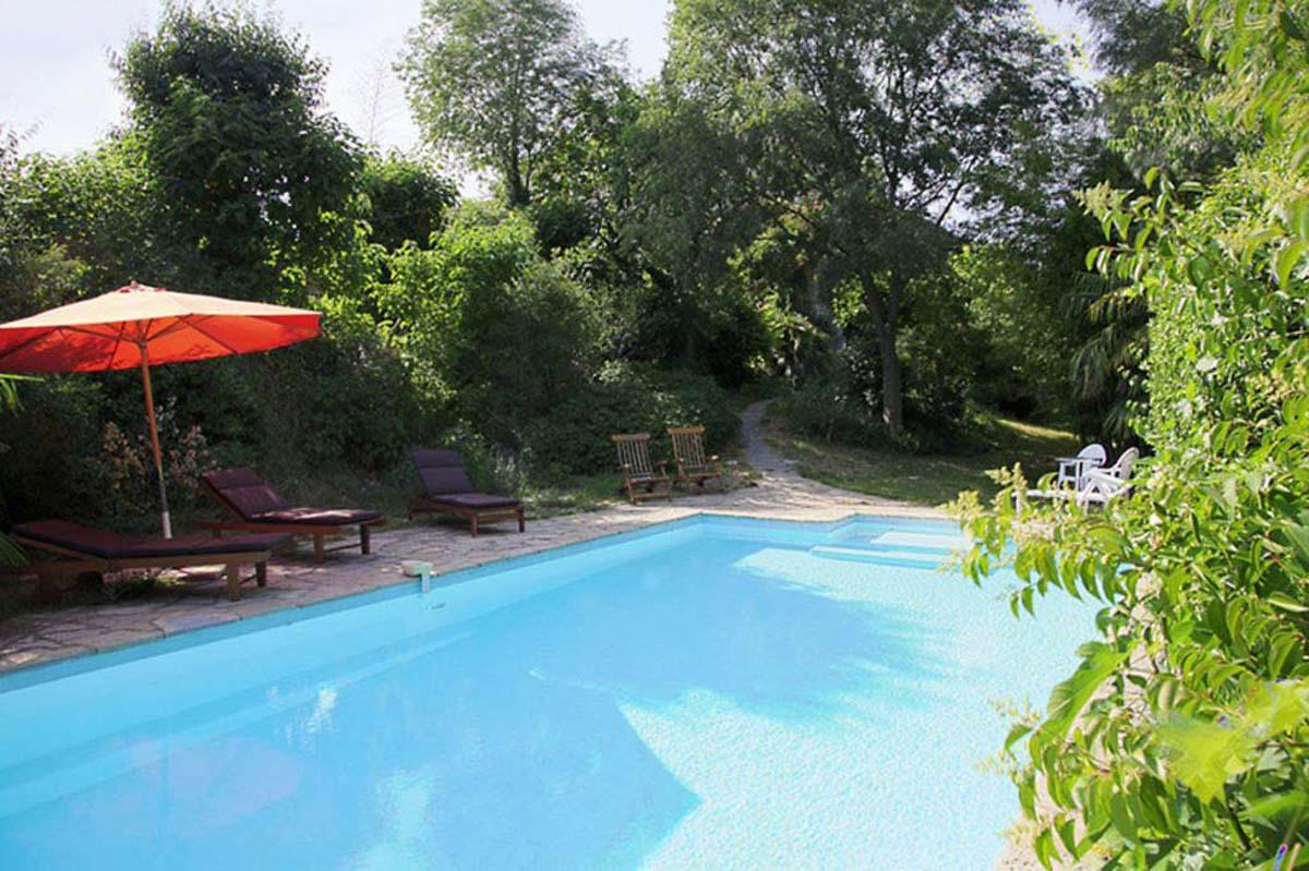 Location De Vacances Avec Piscine à Les Mazes, Languedoc Roussillon.