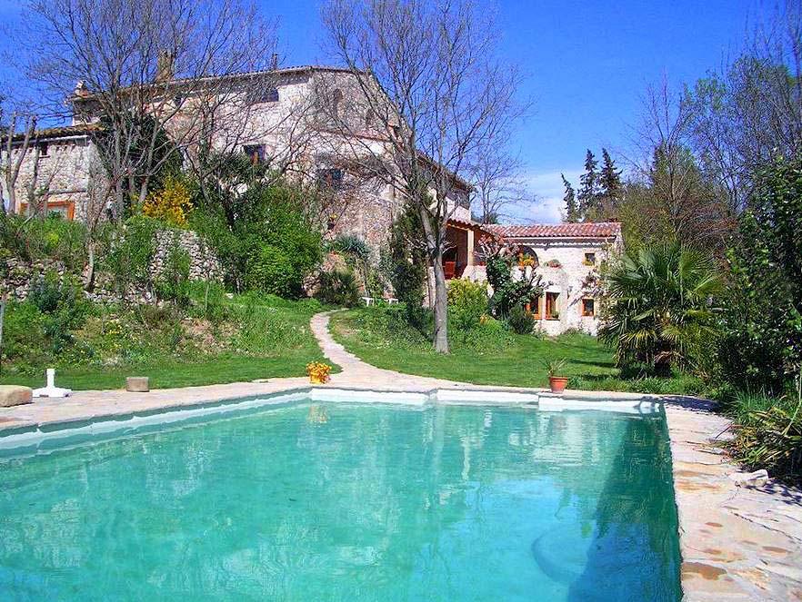 Vakantiehuis in Les Mazes met zwembad, in Languedoc-Roussillon.