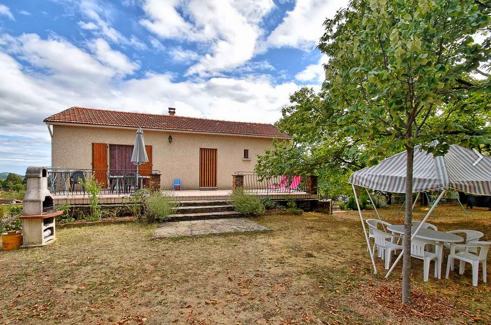 Vakantiehuis in Senechas met zwembad, in Languedoc-Roussillon.