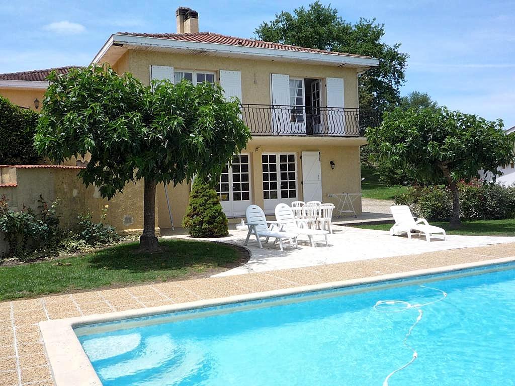 Vakantiehuis in Laree met zwembad, in Midi-Pyrenees.