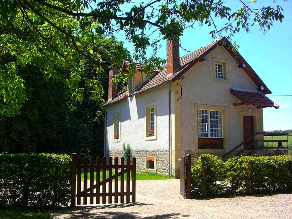 Vakantiehuis in Hery, in Bourgogne.
