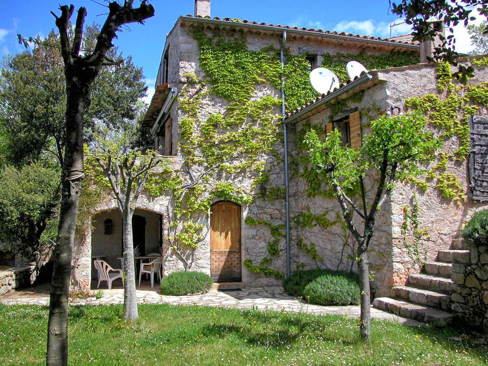 Vakantiehuis in Fox-Amphoux, in Provence-Cote d'Azur.
