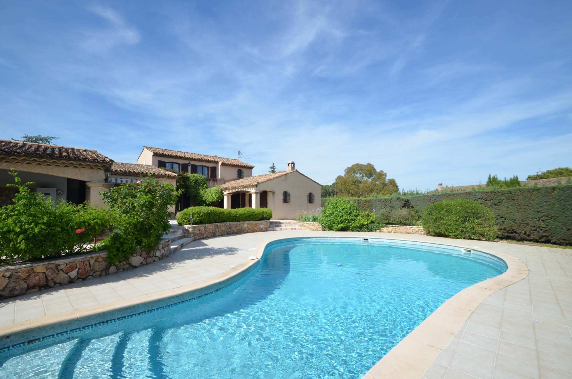 Vakantiehuis in Puget-sur-Argens met zwembad, in Provence-Cote d'Azur.