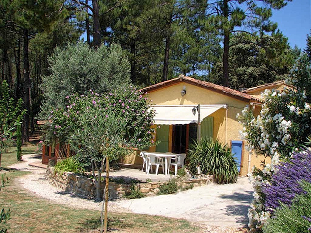 Vakantiehuis in Bollene, in Provence-Cote d'Azur.