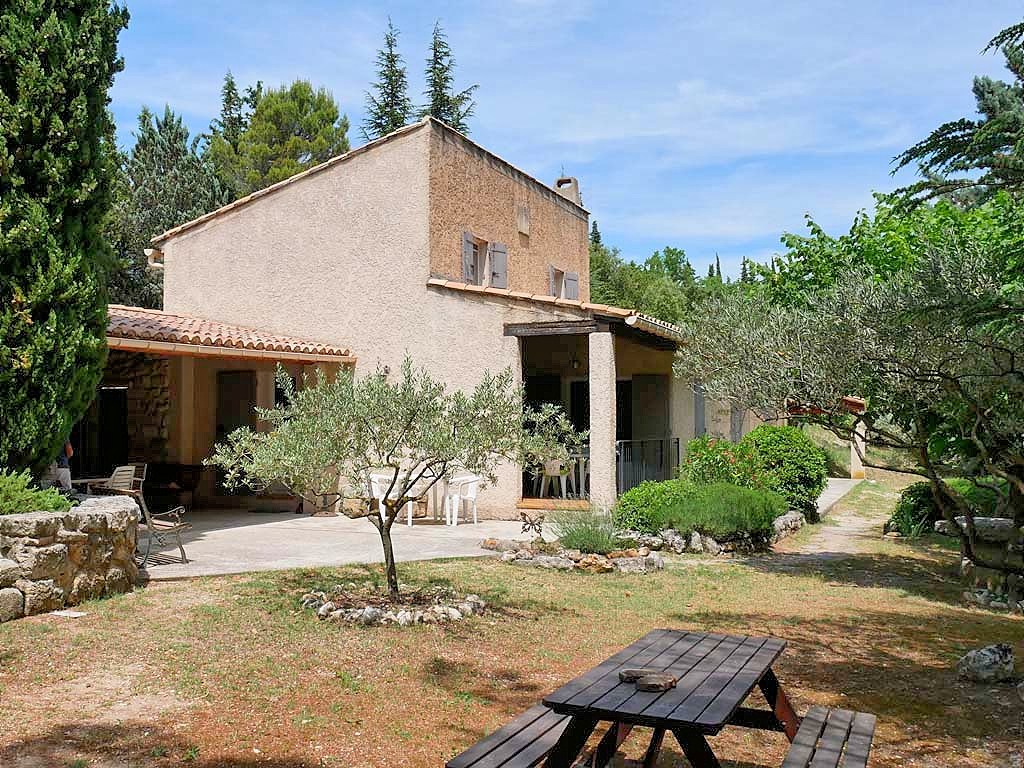 Vakantiehuis in Mormoiron met zwembad, in Provence-Cote d'Azur.