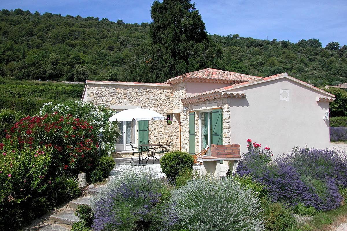 Vakantiehuis in Crestet met zwembad, in Provence-Cote d'Azur.