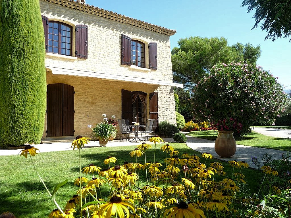 Vakantiehuis in Crillon-le-Brave met zwembad, in Provence-Cote d'Azur.