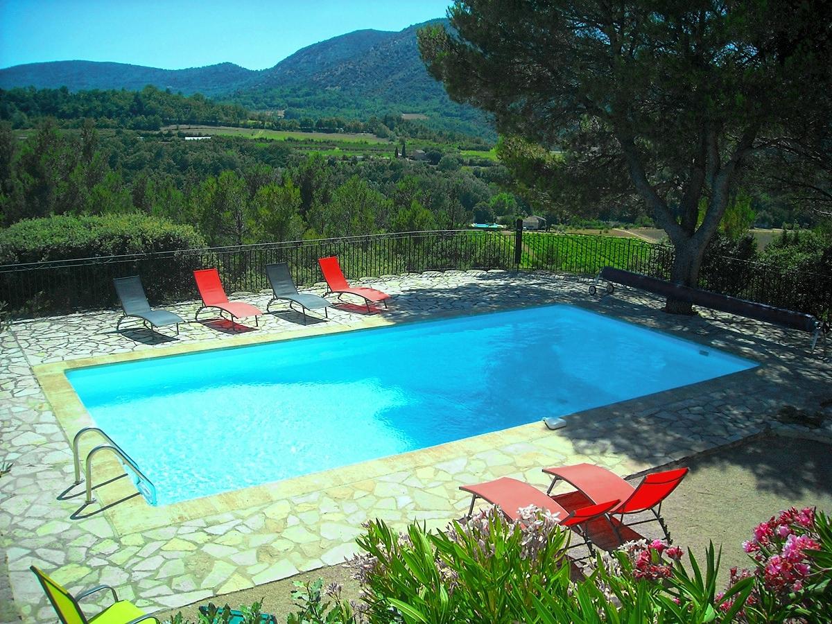 Vakantiehuis in Entrechaux met zwembad, in Provence-Cote d'Azur.