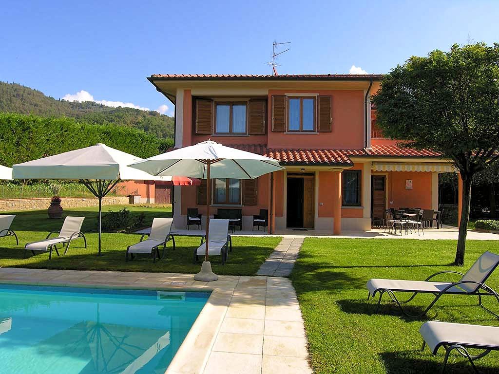 Vakantiehuis in Loro Ciuffenna met zwembad, in Toscane.