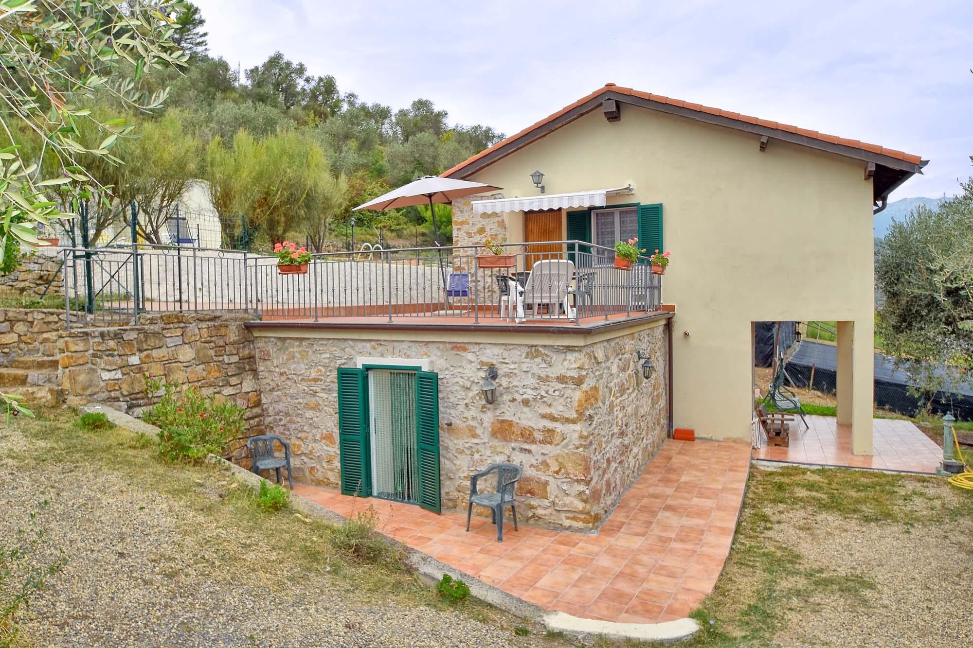 Vakantiehuis in Dolceacqua met zwembad, in Ligurie.