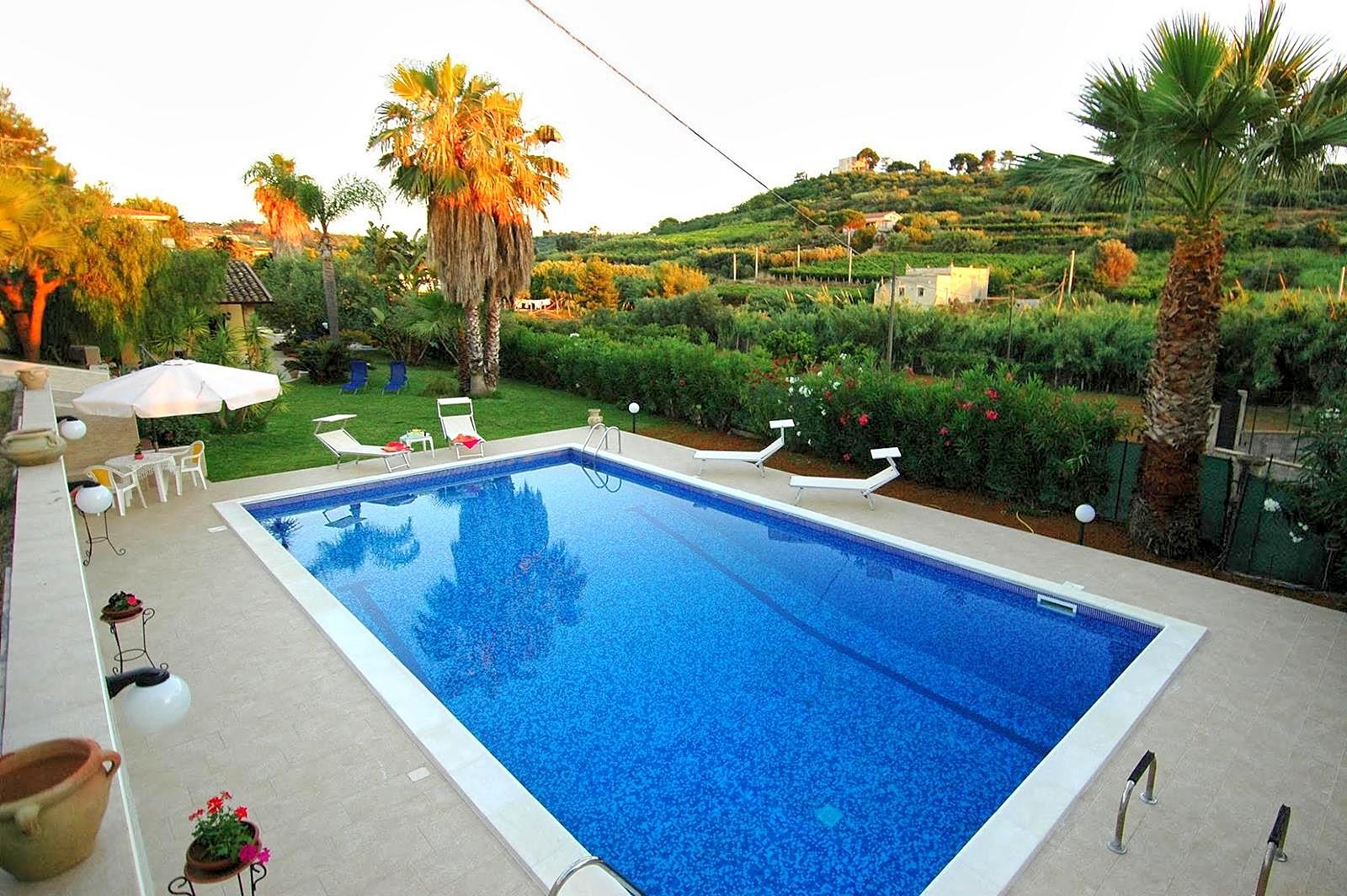Vakantiehuis in Trappeto met zwembad, in Sicilie.