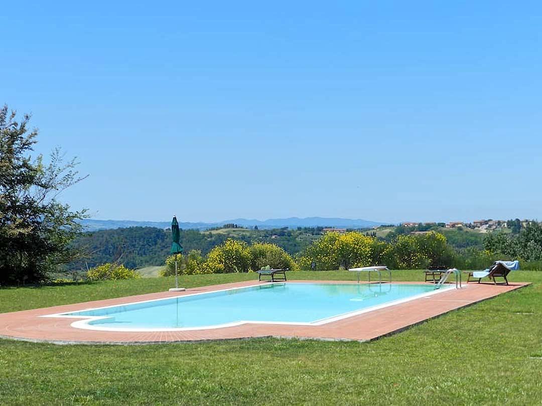 Vakantiehuis in Legoli met zwembad, in Toscane.