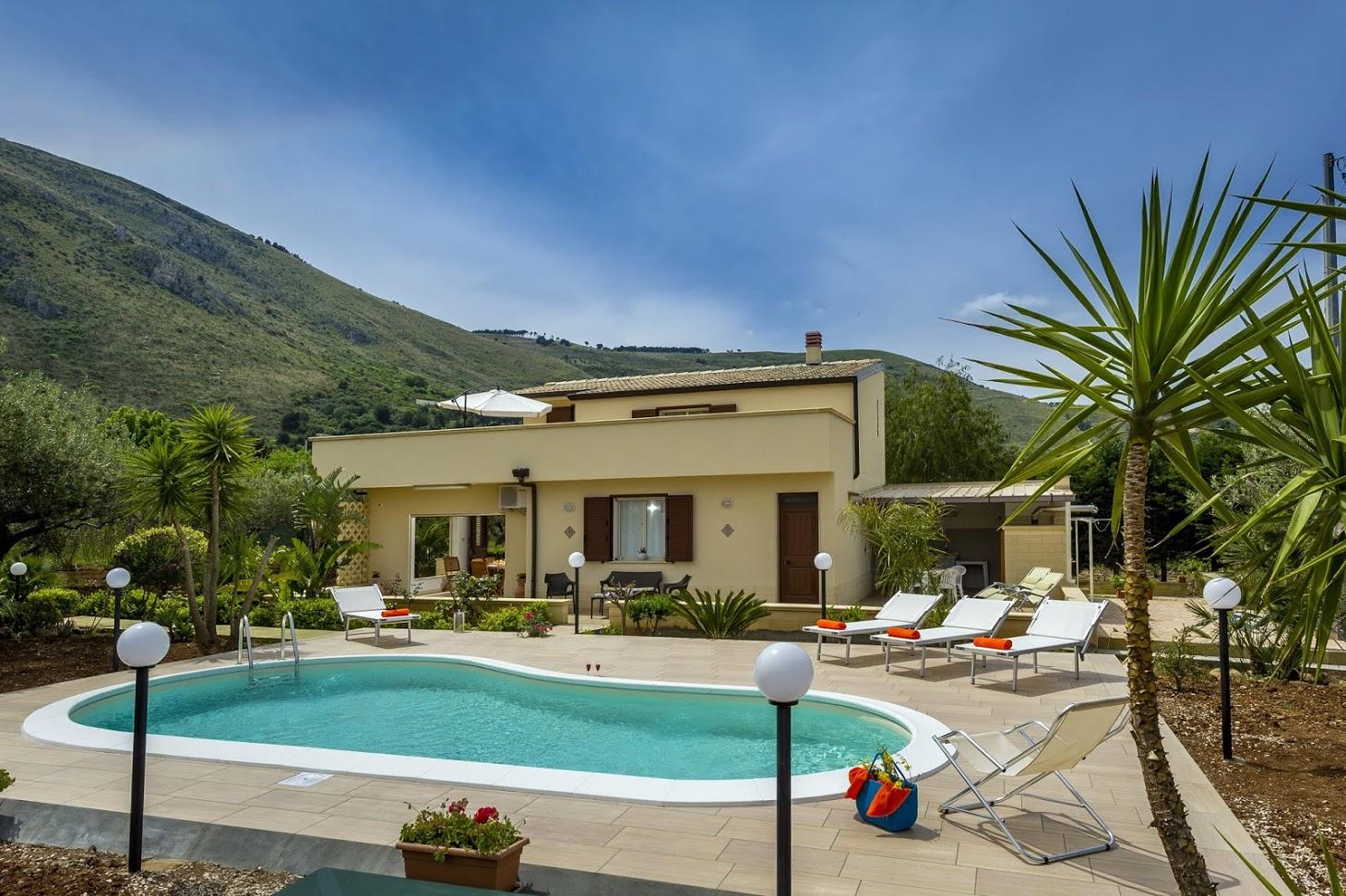Vakantiehuis in Castellamare del Golfo met zwembad, in Sicilie.