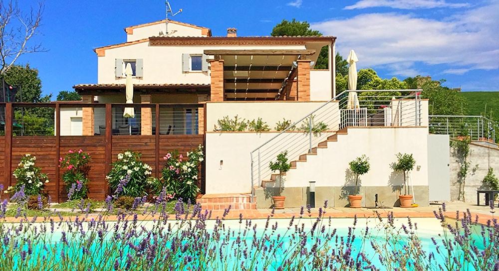 Vakantiehuis in monte rinaldo met zwembad huren in marche.
